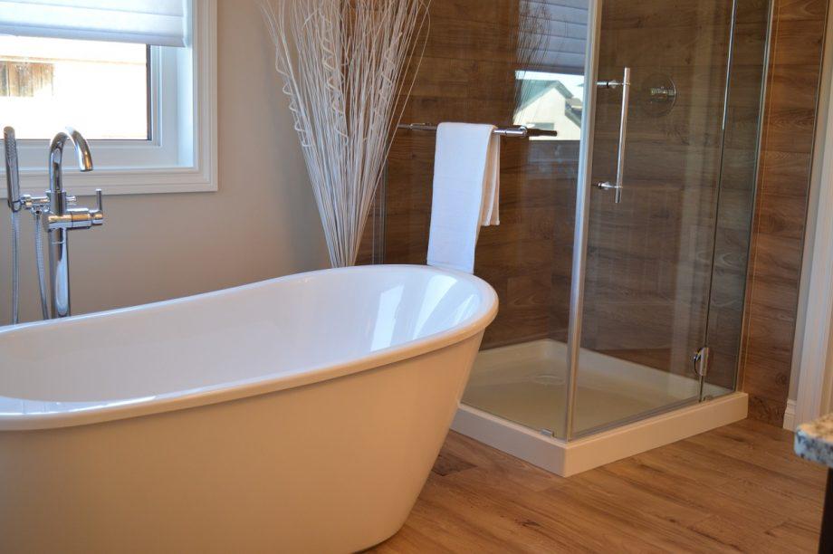 Comment rénover soi-même sa salle de bains ?