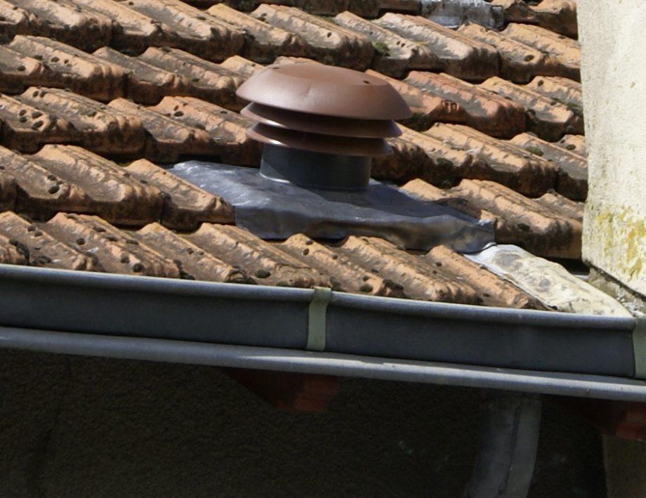 comment installer un chapeau de toiture vmc